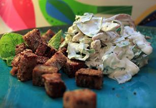 Salata sa mesom i spanaćem